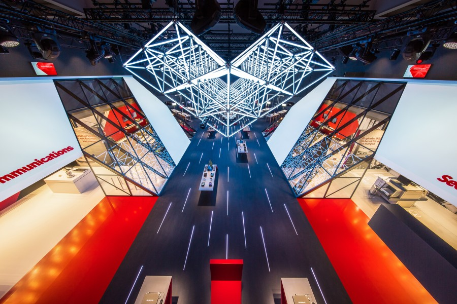 kinetic-lights-cebit-2015-005-900x600.jpg